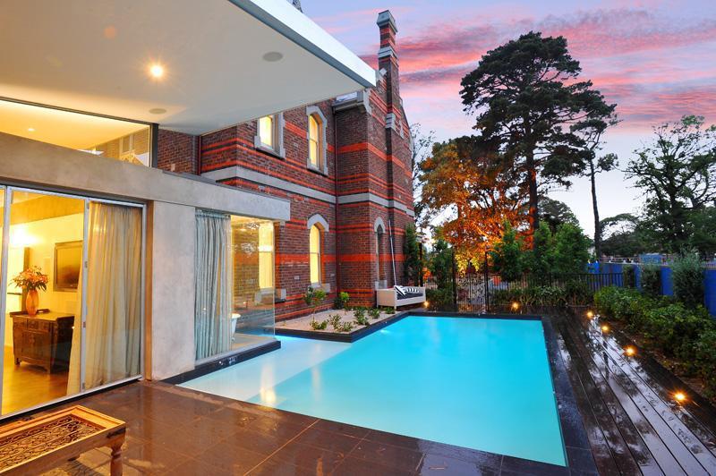 John Knox House Brighton / Victoria